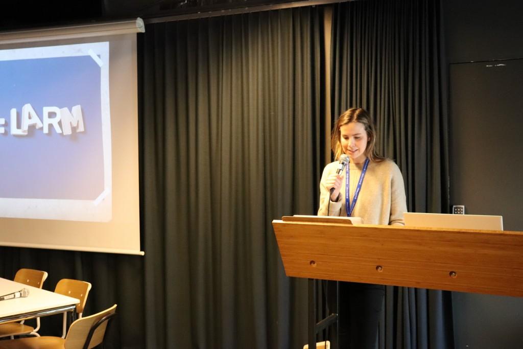 Framcisca Aas, juridisk konsulent for NOPA, presenterte uttalelsen om verdigapet. Foto: Anders Nielsen, GramArt